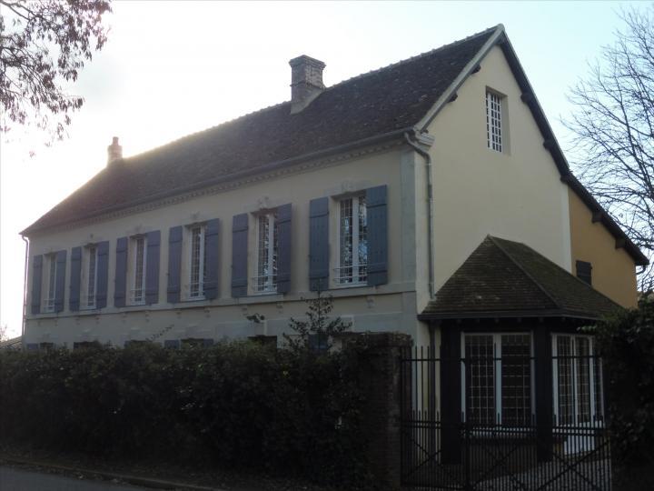 Maison de Maitre Maison Bourgeoise, and Mills